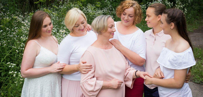Sesja rodzinna wielopokoleniowa - trzy pokolenia wspaniałych Kobiet