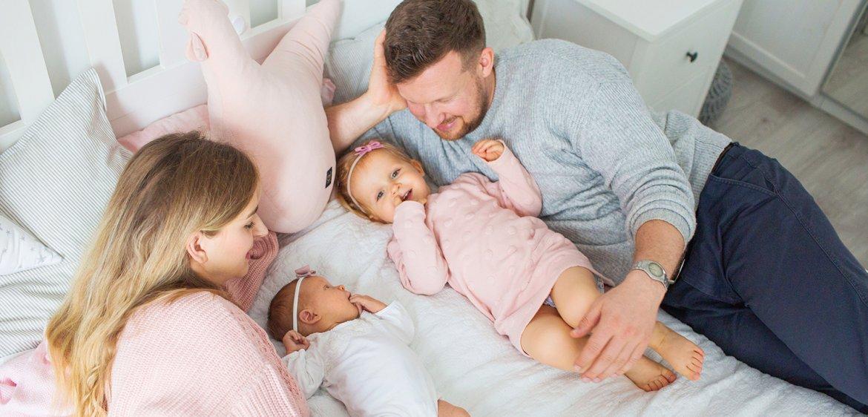 O wartości domu w fotografii rodzinnej.