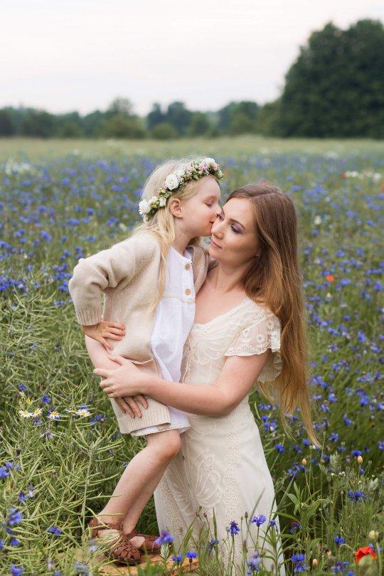 portret Mamy i Córki, sesja boho na łące